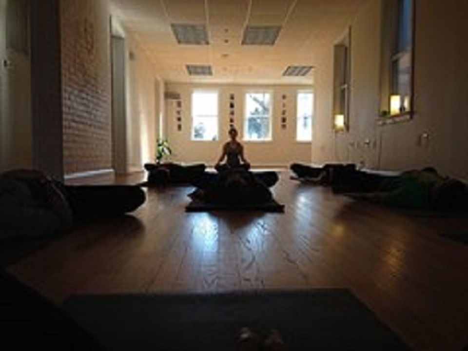 yoga-682326__180-960width